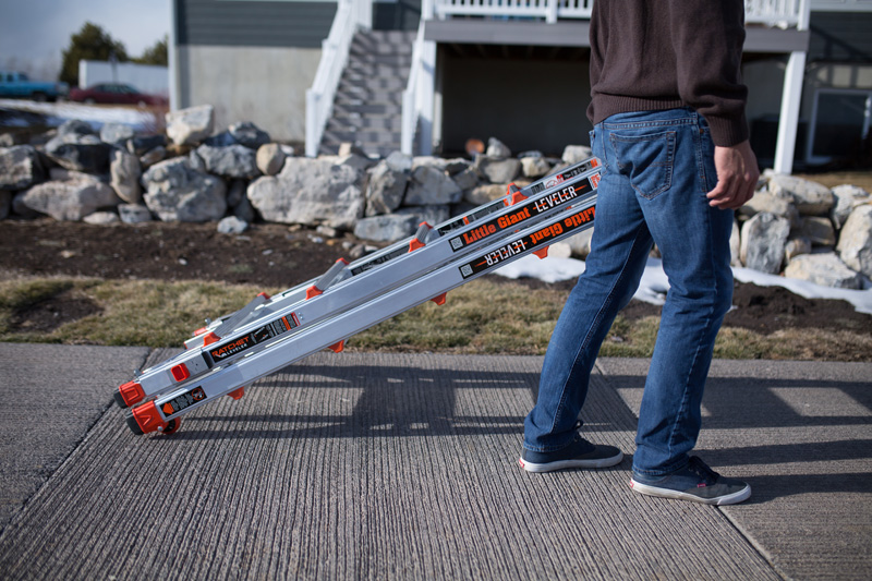 St igerne le - veres med hjul påmonteret for let og ergonomisk transport af stige.